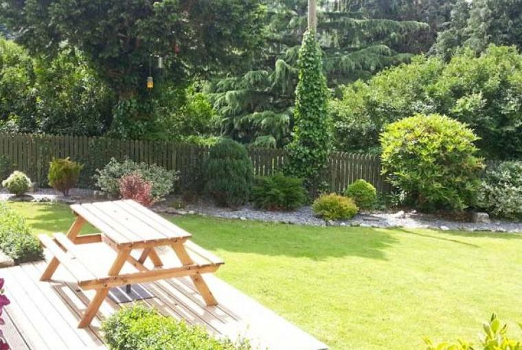 Dine alfresco at this sleeps 2 property
