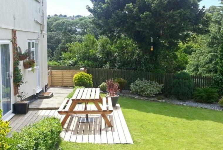 Sleeps 2 Apartment near Mevagissey