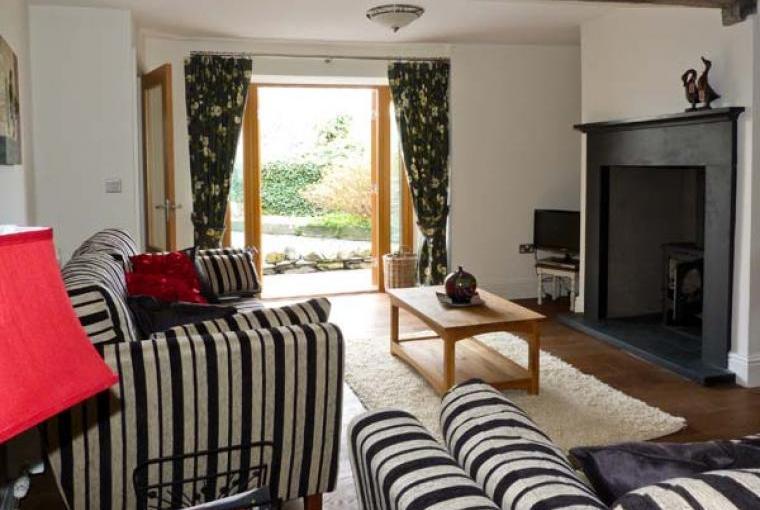 Lounge, Woodbine Family Cottage
