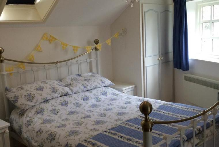 Two bedroom self catering seaside cottage Devon