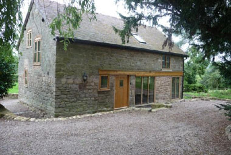 Self-catering renovated coach house sleeps 6