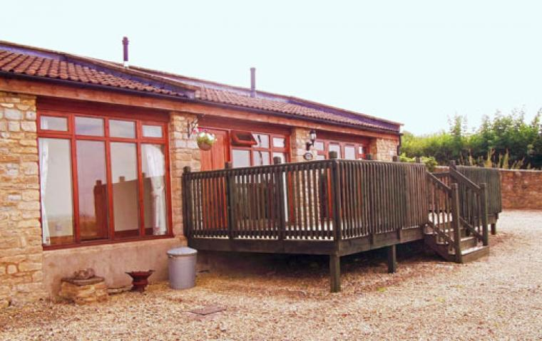 cottages for 2 with decking