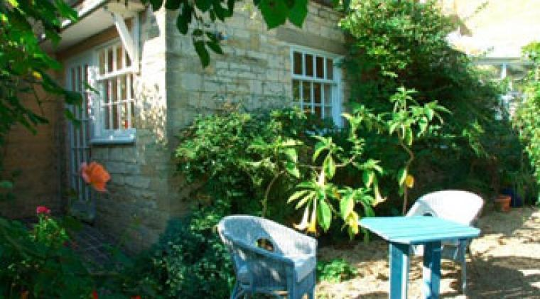Self-catering country cottage sleeps 2