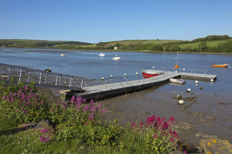 The Tivy Estuary - Dine at the Ferry Inn
