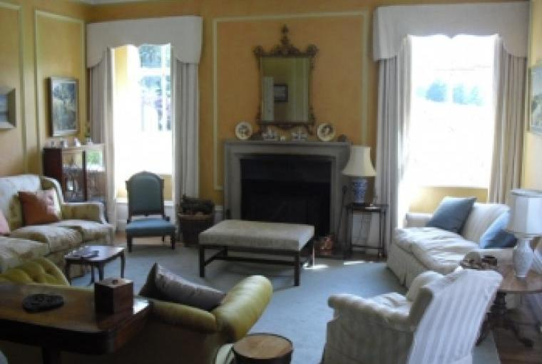Large country house, sleeps 14