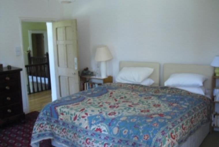 Large country house, 7 bedrooms, sleeps 14