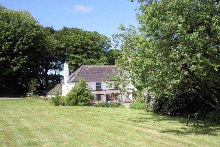 Hafod Villa enjoys a very sunny aspect with only one near neighbour within a mile.