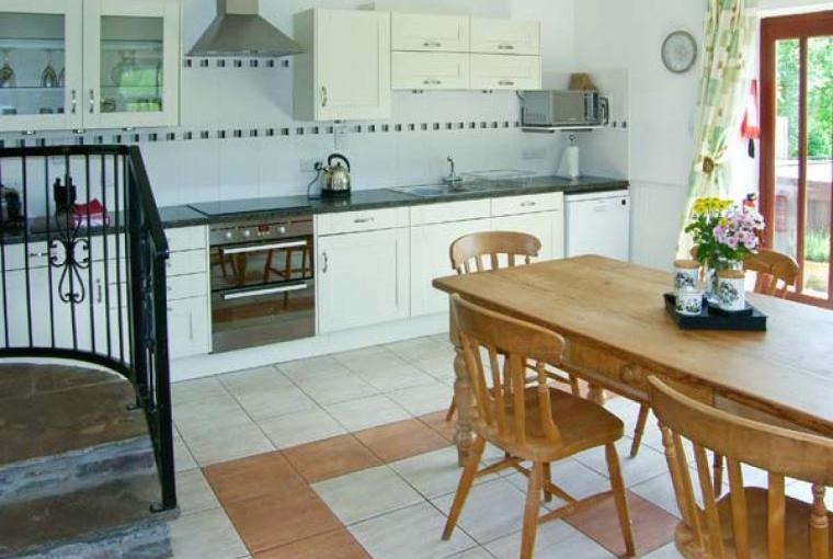 Caecrwn Pet-Friendly Barn Conversion, South Wales , Cheshire, Photo 5