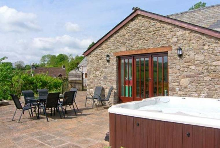 Caecrwn Pet-Friendly Barn Conversion, South Wales , Cheshire, Photo 16