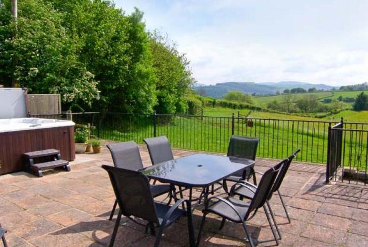 Caecrwn Pet-Friendly Barn Conversion, South Wales , Cheshire, Photo 17