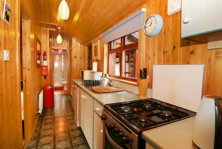 Creag Dhubh Country Cottage, Highlands And Islands , Cheshire, Photo 5