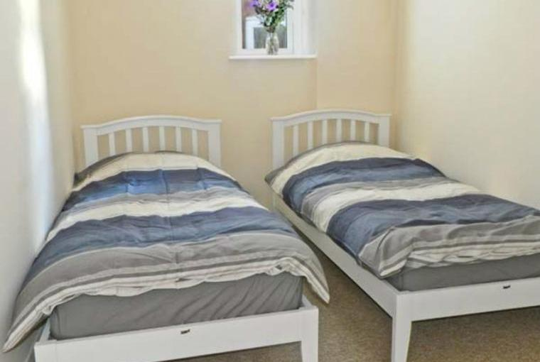 Twin bedroom, the Old Lifeboat House