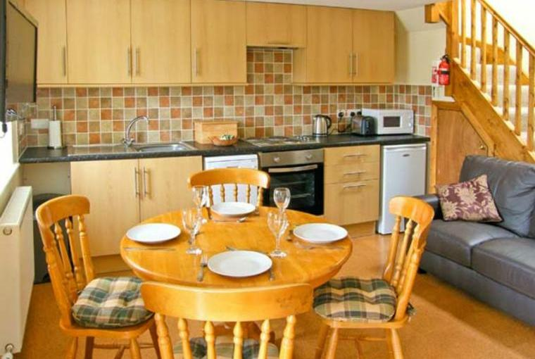Kitchen with dining area, Tegid Cottage