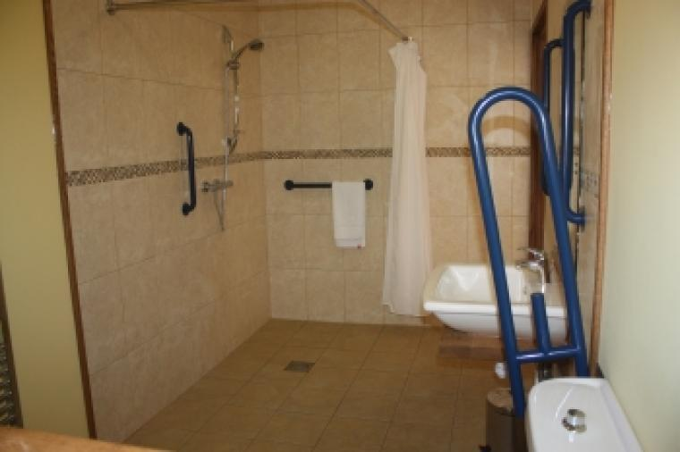 Self-catering cottage with a wet room