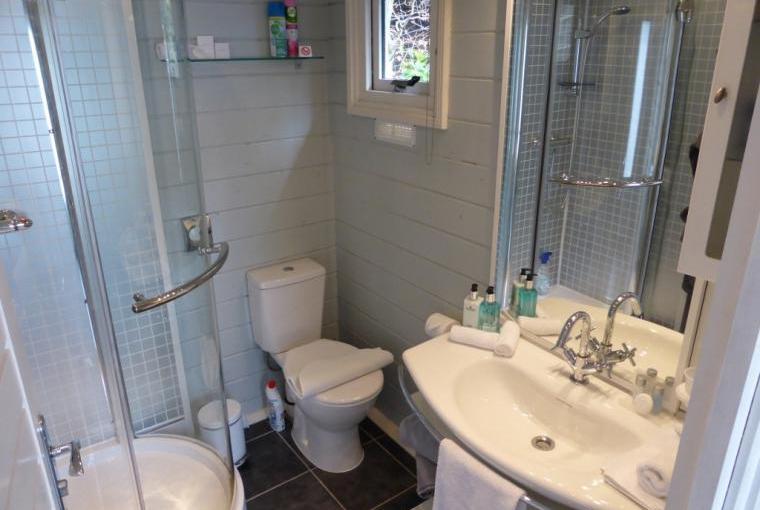 Towels, bthrobes & toiletries provided - refreshing  power shower & underfloor heating