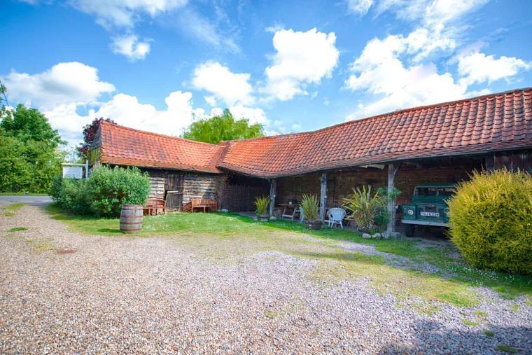 Dons Barn, Suffolk, Photo 15