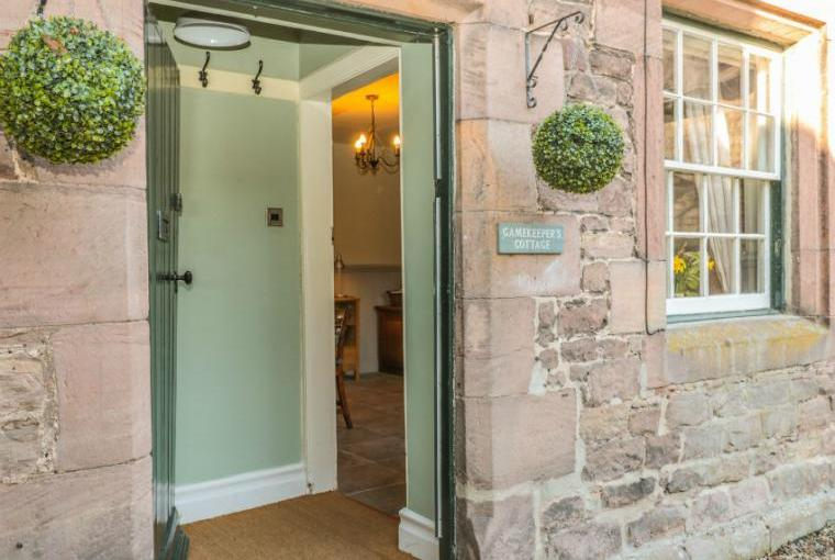 Gamekeeper's Holiday Cottage, Hadrian's Wall Country, Cheshire, Photo 1