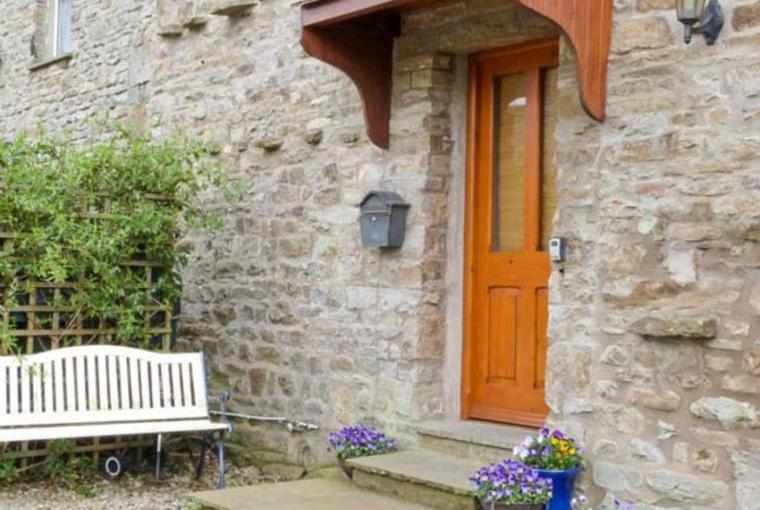 Topsy-Turvy Cottage, pet-friendly accommodation in the Yorkshire Dales