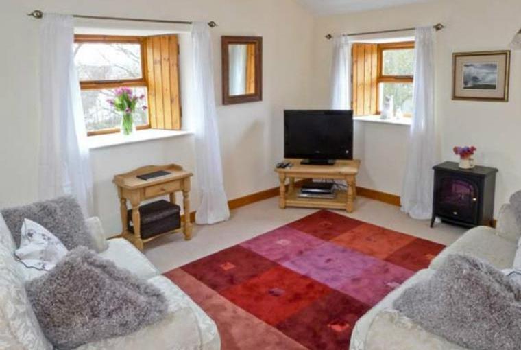 Lounge, Topsy-Turvy Cottage