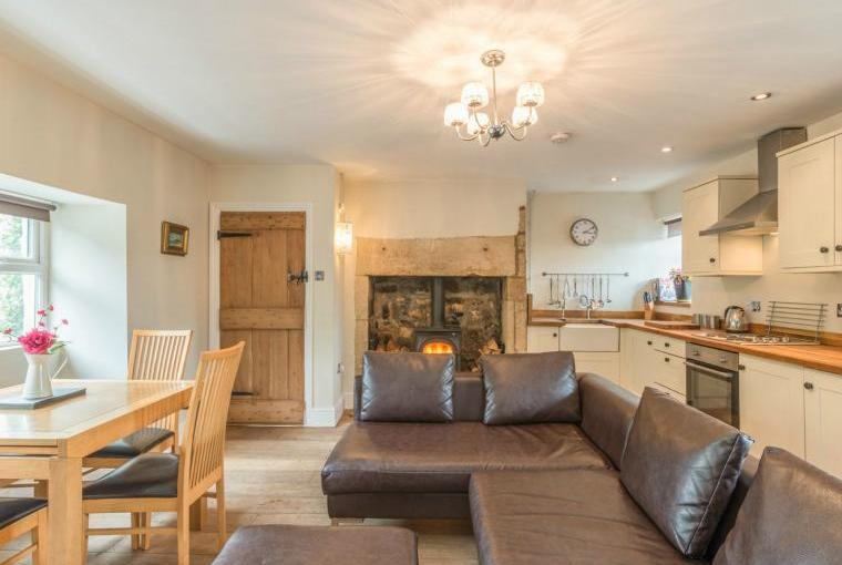 Ryehill Farm Cottage open plan living area