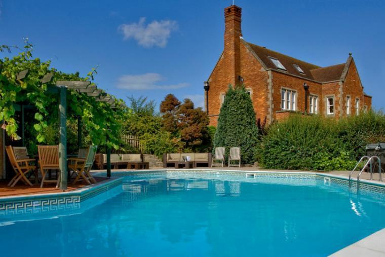 Outdoor pool, Great Oak Park, Surrey