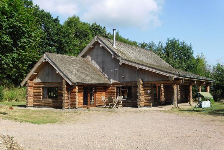 Tamarack Lodge, Somerset, Photo 13