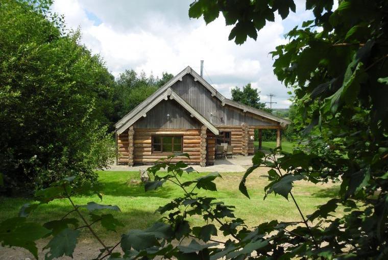 Tamarack Lodge, Somerset, Photo 9
