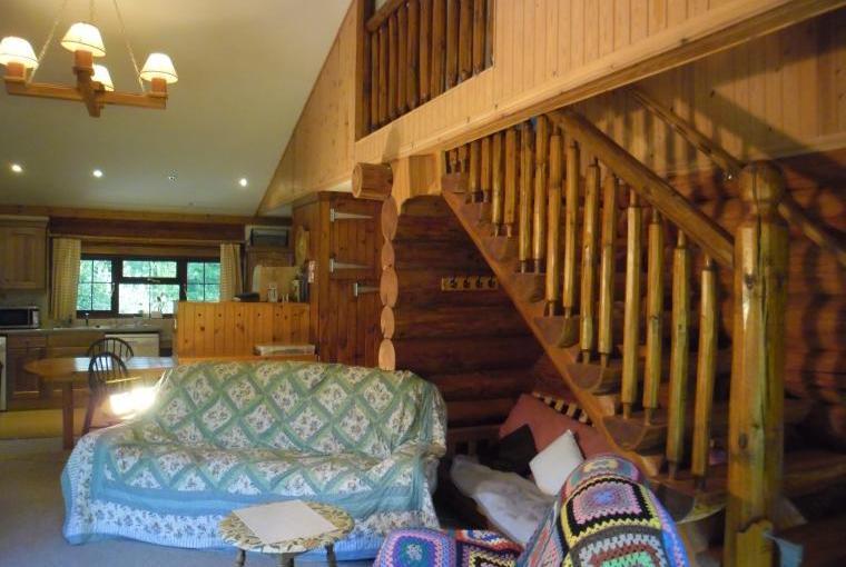 Tamarack Lodge, Somerset, Photo 17