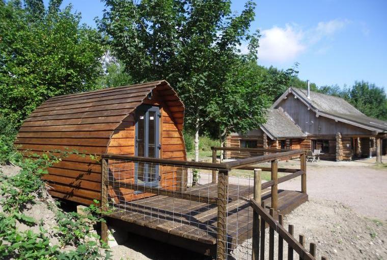 Tamarack Lodge, Somerset, Photo 18
