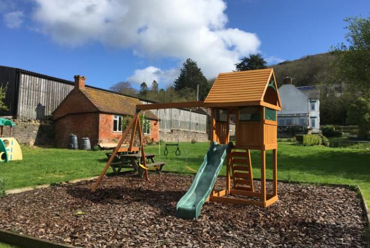 Webbington Farm Holiday Cottages, Somerset, Photo 8