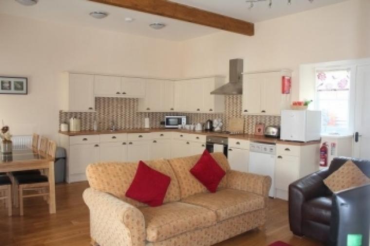 Tiarks Cottage Kitchen and diner