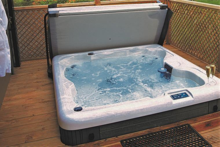 Lodges with private hot tubs in Essex