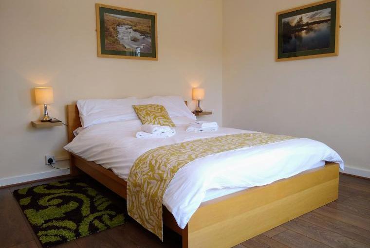 Double aspect bedroom