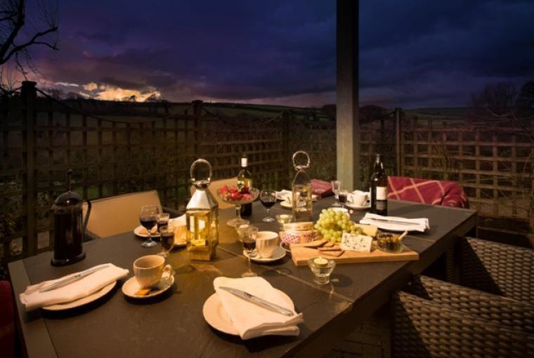 Alfresco Dining at Poltarrow