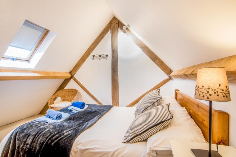 Double mezzanine bedroom