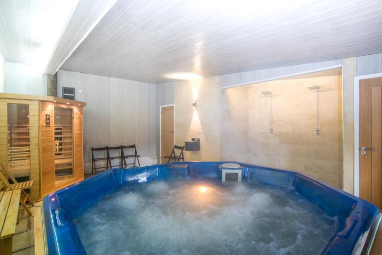 The spa relax in the hot tub and sauna