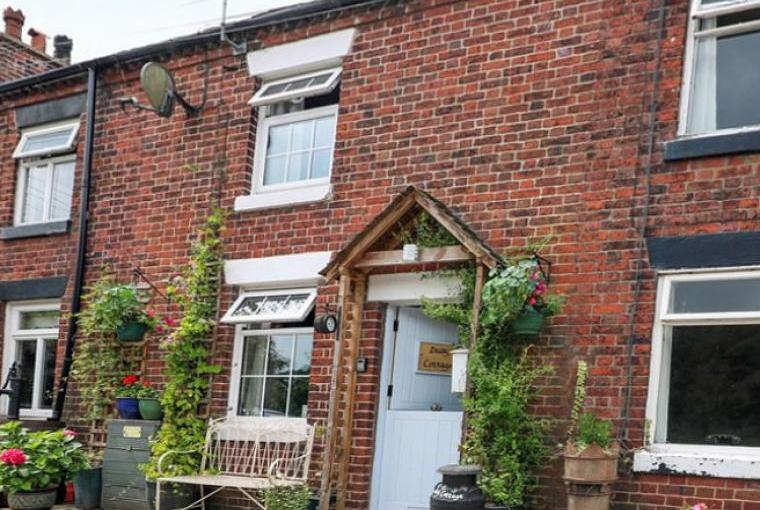 Daisy Canalside Cottage, Staffordshire, Photo 13