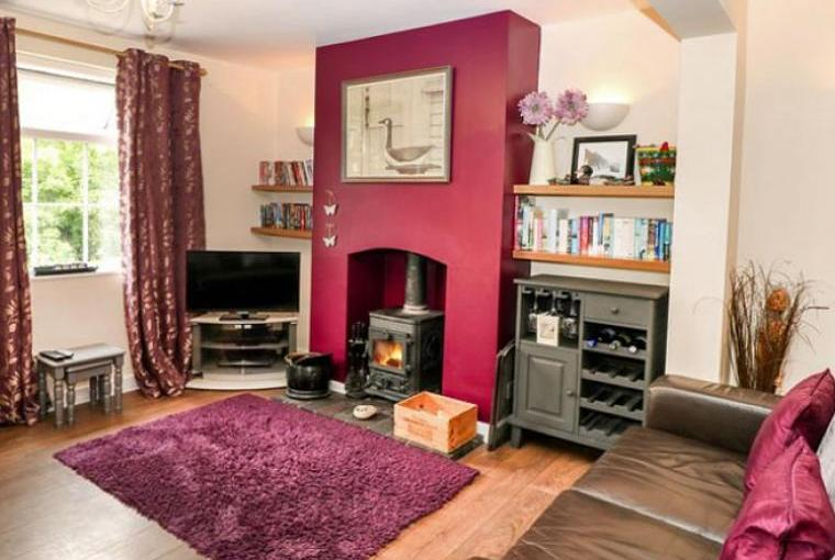 holiday cottage with wood burner staffordshire