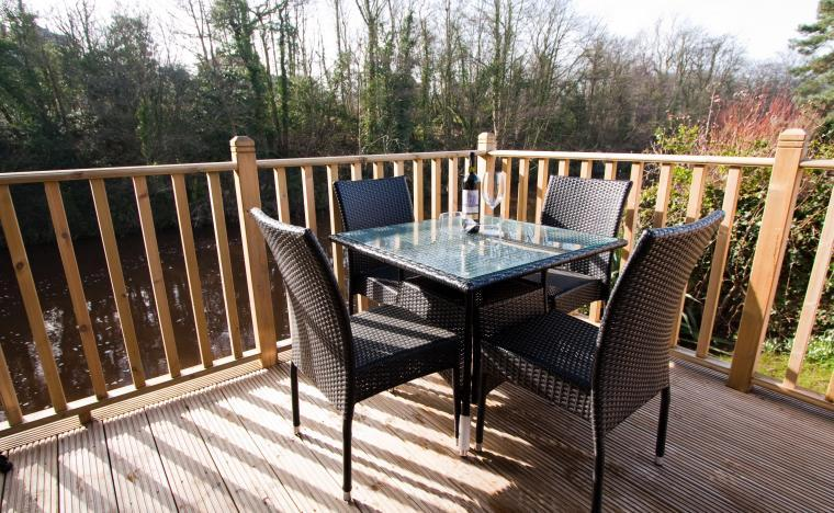 Take your wine onto the balcony and cook lunch on the BQ there