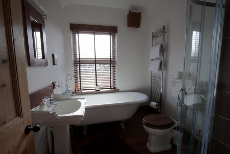 Traditional roll top bath