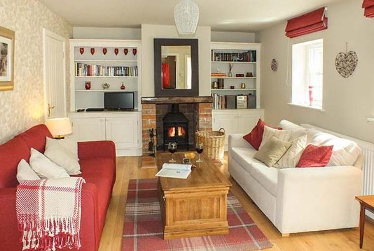 Grove Country Cottage Lounge