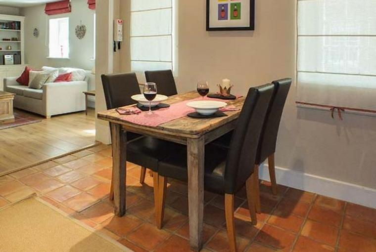 Grove Cottage Dining Area