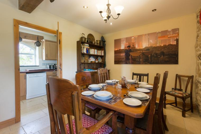 Holiday cottage in Haverfordwest with dining room and table for 6