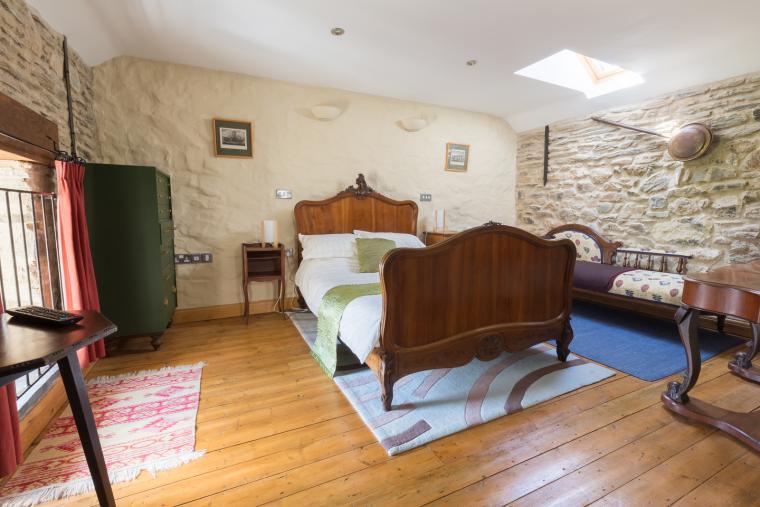 2 ground floor bedrooms 1 upstairs bedroom holiday cottage pembrokshire wales