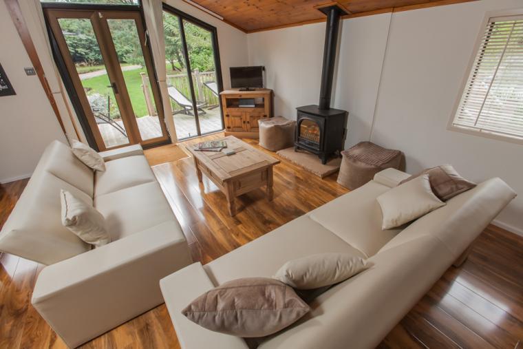 Stylish Lounge at Lakeview Lodge