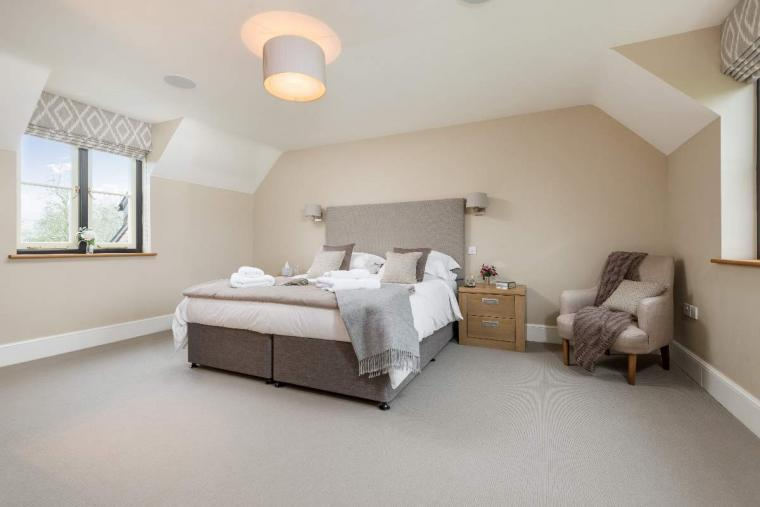 Sleeps 10+1, High Standard House with large garden and shared games room, Herefordshire, Photo 4