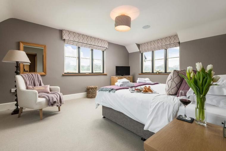 Sleeps 10+1, High Standard House with large garden and shared games room, Herefordshire, Photo 1