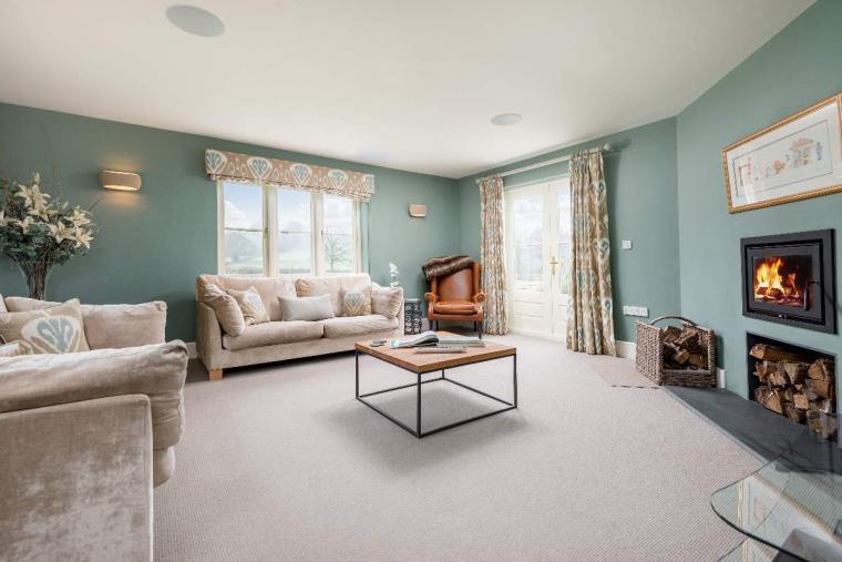 Sleeps 10+1, High Standard House with large garden and shared games room, Herefordshire, Photo 28