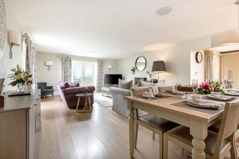 Sleeps 10+1, High Standard House with large garden and shared games room, Herefordshire, Photo 33