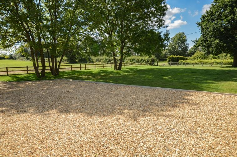 The Cotswold Manor Vineyard, Exclusive Hot-Tub, Games Barn, 70 acres of Parkland, Oxfordshire, Photo 15